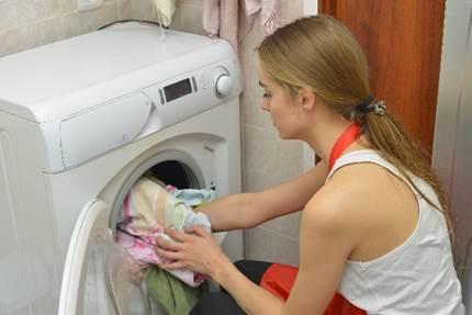 恐怖の悪臭!水や洗剤も?!洗濯物の臭いの原因や対策とは?