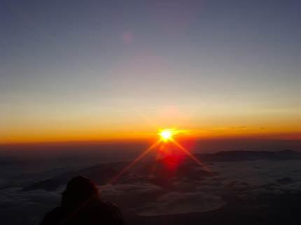 登山初心者でも日帰り出来る!富士山の時期や時間、ルートとは?