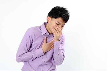 頭痛からの吐き気も?!梅雨の季節の体調管理や対策法とは?