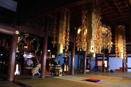 お盆のお寺