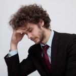 間違うと悪化する肩こりや偏頭痛!正しい目のケア方法とは?