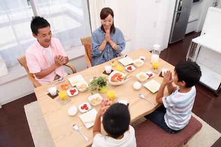 一家団欒の朝食