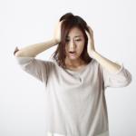 ショック!?白髪が急に増えた…出産や女性ホルモンとの関係とは?